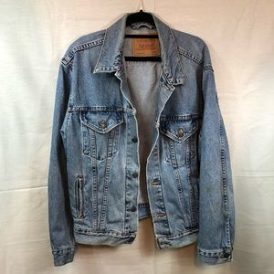 Levi's Denim Jacket made in USA 70516-0325